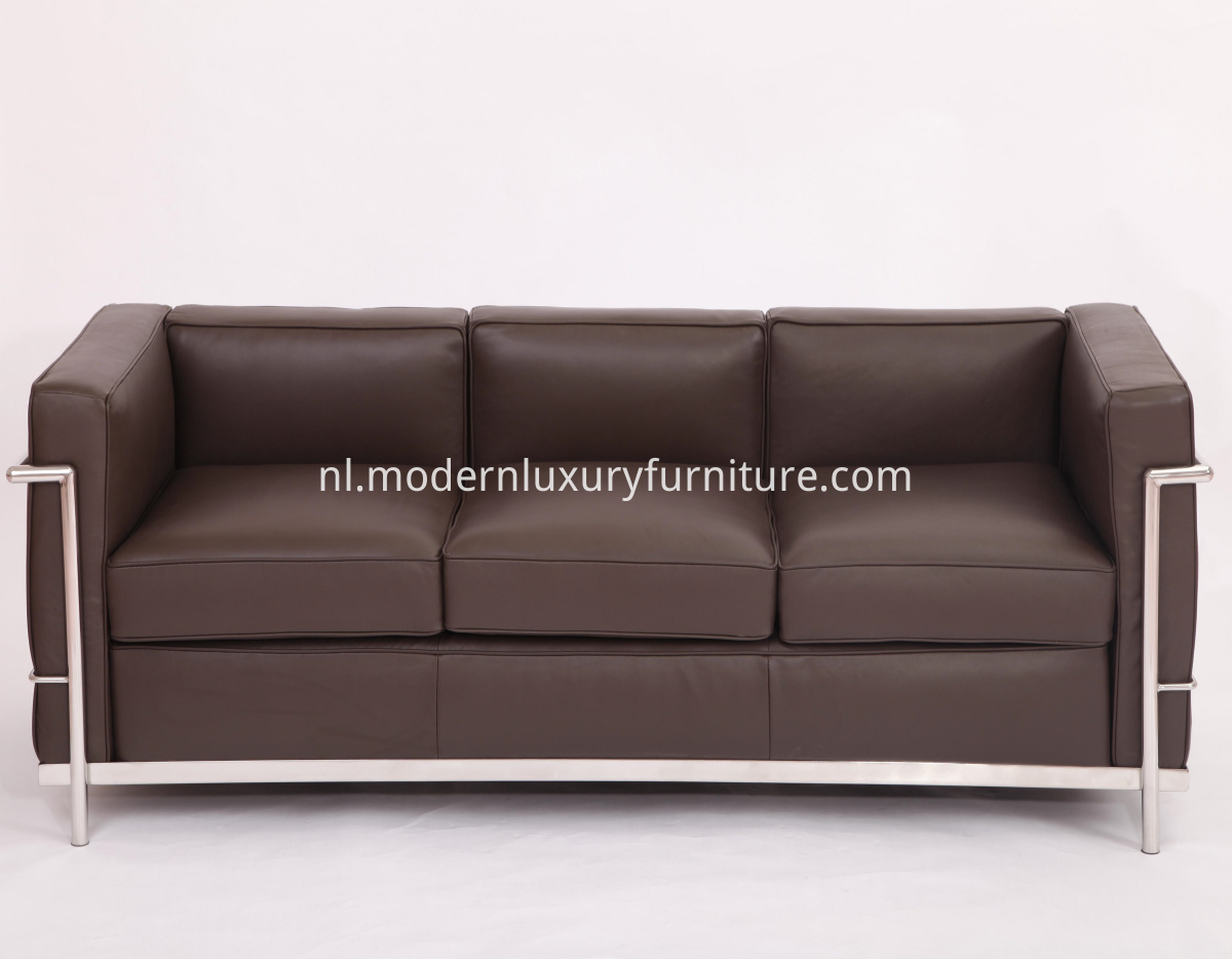 Le Corbusier LC2 sofa replica