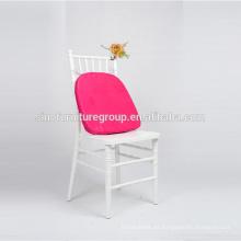 Tendencia de boda elegante silla blanca Tiffany