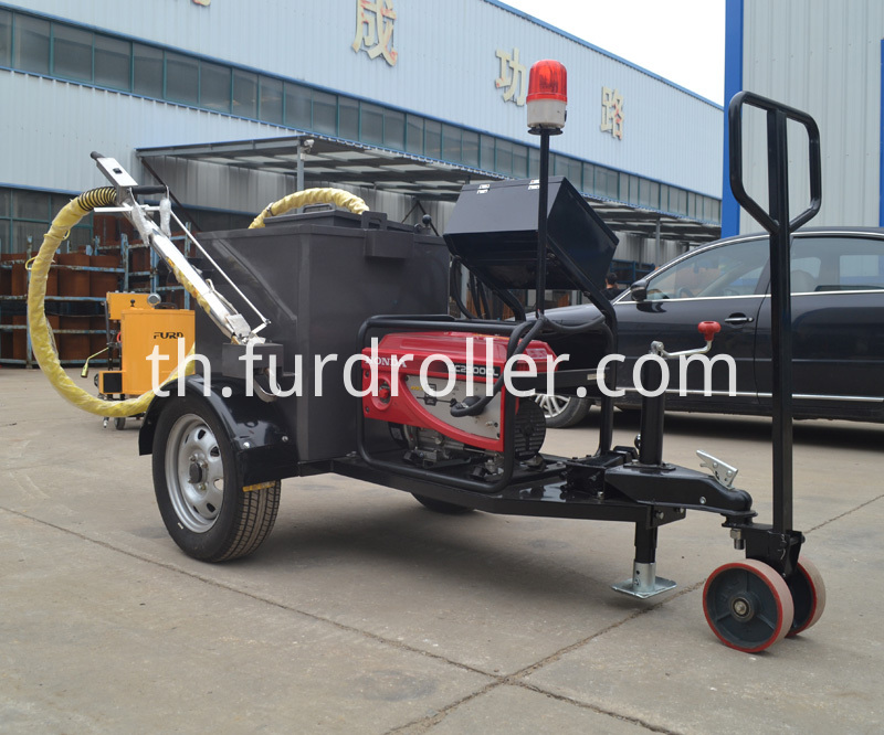 asphalt sealing machine