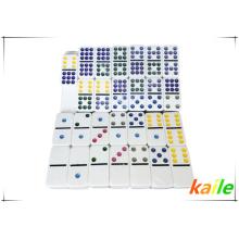 Venda quente duplo 9 barato plástico colorido dominó