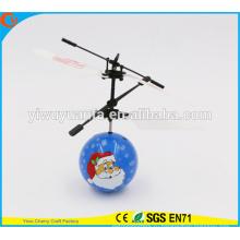 Горячая Продажа интересные мини летающий мяч игрушка Санта-Клаус Хели мяч Рождественский подарок для малыша