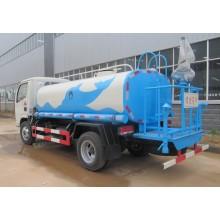camión de agua con color blanco