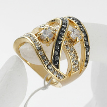 Wholesale Retail fashion ring jewelry Gold Color rhinestone and cubic zirconium metal rings wedding
