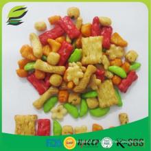 Mistura de bolachas de arroz colorido e aromatizado