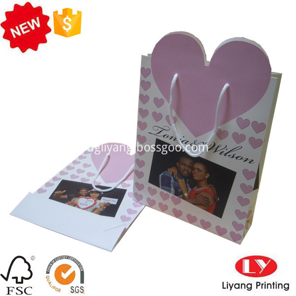 heart shape paper bag
