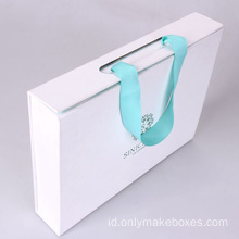 Mint Green Foldable Paper Box Dengan Ribbon Handle