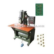 Machine pneumatique oeilletonnage unique (1. 2 mm - 10 mm)