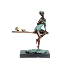 Figura femenina del arte Escultura de bronce Pájaro Señora Decoración Latón Estatua TPE-573