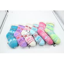 Vente chaude des enfants rayures d'hiver fuzzy chaud chaussettes intérieur maison chaussettes