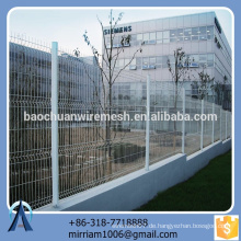 Heißer Verkauf neuer Entwurfsqualitäts-praktischer PVC beschichtete Gartenzaun-Dreieck, der Zaun verbiegt