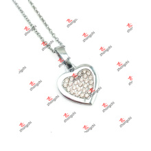 Fashion Alloy Clear Crystal Heart Charms Jewelry Necklace (DLK60128)
