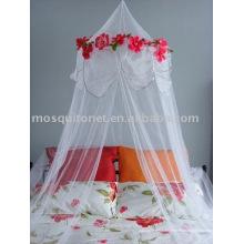 Flores y hojas de la cama de dosel