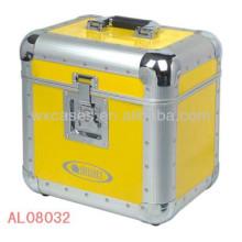 caixa de alumínio forte e vazia com forro dentro de EVA