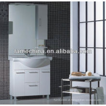 Caixa de higiene pessoal de estilo francês