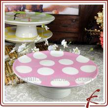 Soporte de pastel de cerámica de aspecto agradable