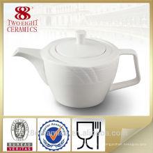 Ensemble en céramique de porcelaine d'usine, porcelaine moderne de thé