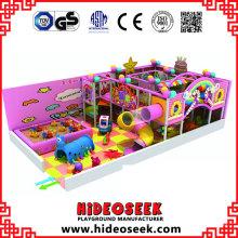 Équipement de terrain de jeu à thème bonbons pour intérieur