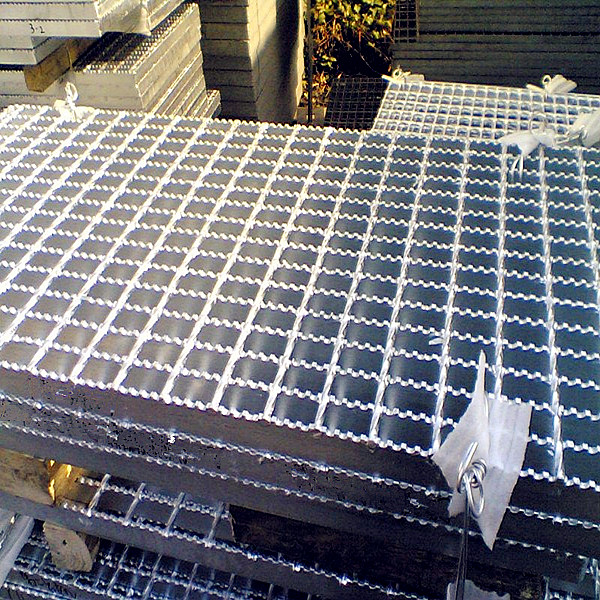 Zinc Coated Serrated Steel Grating