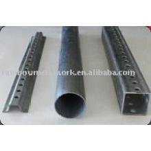 Poste de signalisation en acier disponible en canal U, tube carré et tube rond