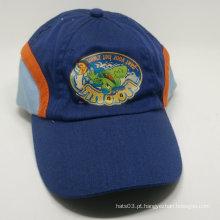 Três cores impressas curvas brim baseball cap