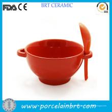 Plato sopero de arroz rojo de cerámica con cuchara