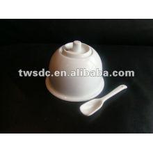 New designed ceramic/porcelain cute sugar pot with spoon-(MJ-022a)