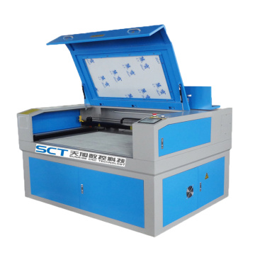 Mesin Pemotong Laser CO2 CNC