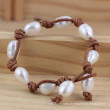 Perle cultivée baroque d'eau douce avec bracelet en cuir