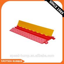 Orange und gelbe, kleine Ausführung, robuste, unterirdische Kabelabdeckung aus PU-Kunststoff