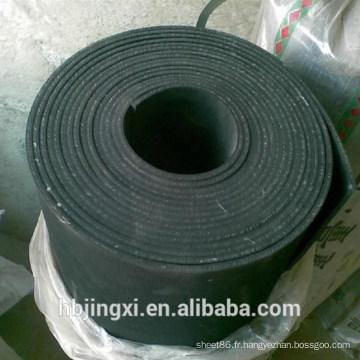 Petit pain en caoutchouc noir de feuille de résistance à l'usure de haute qualité avec l'insertion de tissu