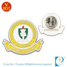 Sug College Pin Badge em Custom da China com preço competitivo
