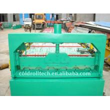 Rolo da plataforma do metal do assoalho da construção que forma a máquina
