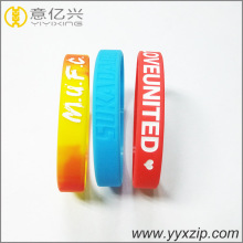 Fashion Embossed Bracelet Promotion Silicone Wristband