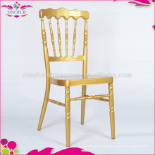 Lojas de fábrica, cadeira de napoleão de metal dourado