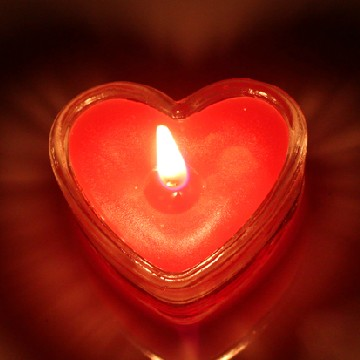 heart shaped long burning tealight candles in glass holder