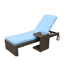 Chaise longue rotin extérieur avec roue pied