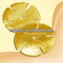Masque de poitrine d'or