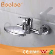 Bad-Dusche-Hahn der hohen Qualität in der Wand
