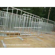 Barreiras de controle de multidão galvanizadas com calor quente com pés fixos