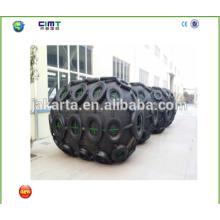 Fabricante suministro 1.5m * 3 guardabarros de goma marina barco con cadena galvanizada y neumáticos fabricados en china
