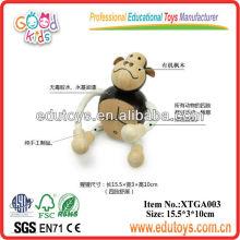 Brinquedo de madeira do gorila animal
