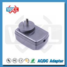 Входной адаптер от 100 до 240 В, от 47 до 63 Гц.