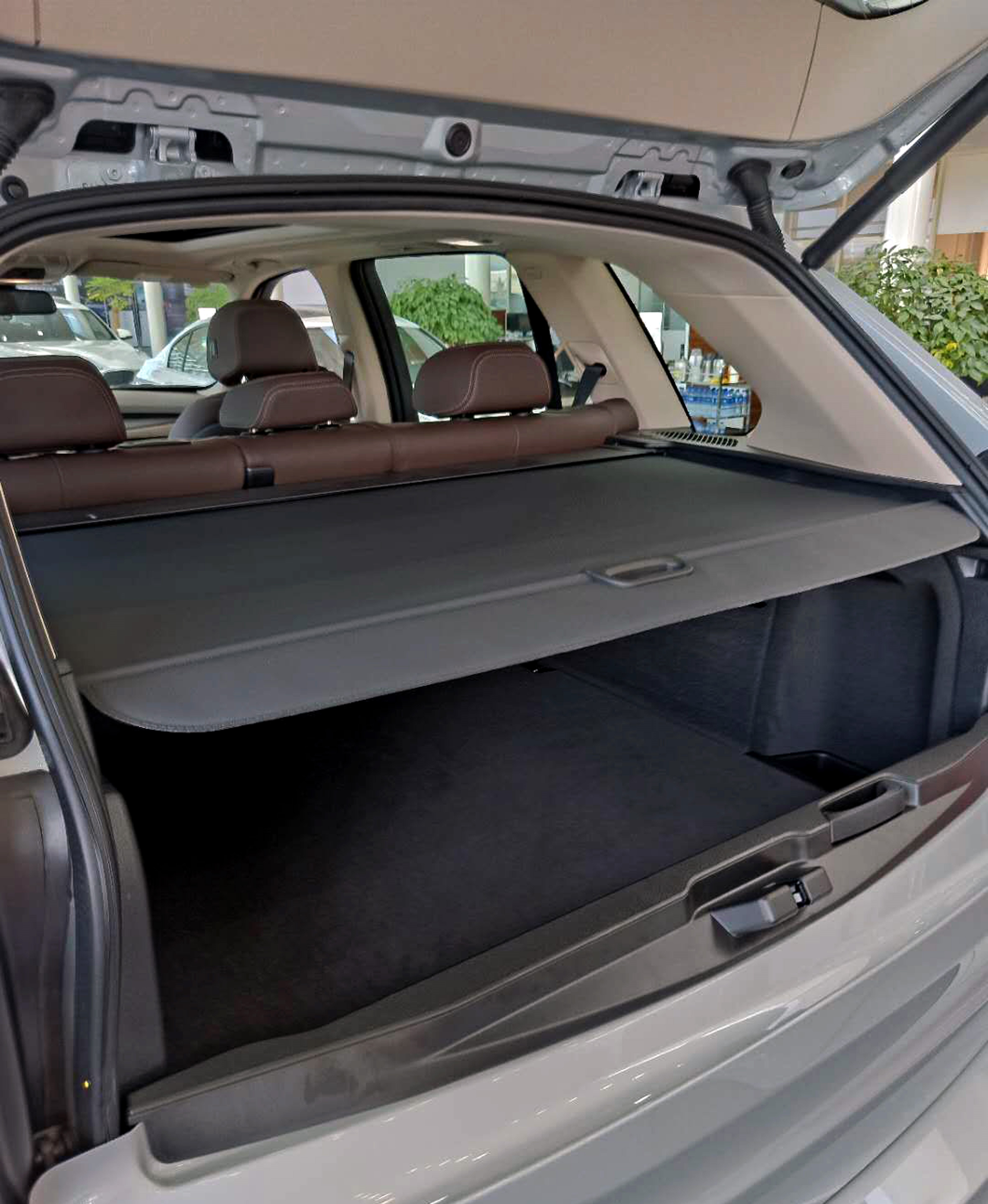 New BMW Trunk Cargo Cover