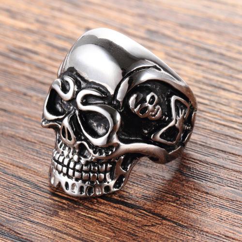 Casting skull ring