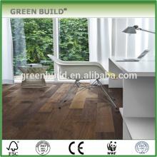 Projeto de apartamento piso de madeira de nogueira