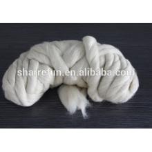 Moutons en laine de mouton chinois gris clair