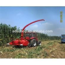 Feldhäcksler angetrieben durch Traktorgerät