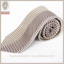 Atacado ponto e tiras designer personalizado gravata seda