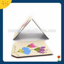 La flor colorida imprimió el marcador magnético de papel magnético