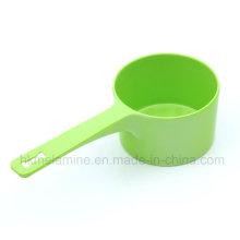 Зеленый меламиновый ковш с ручкой